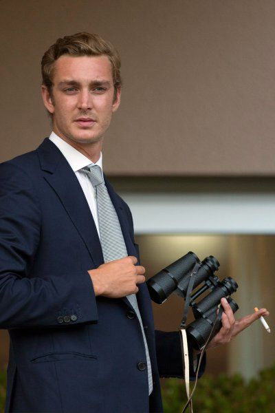 Pierre Casiraghi of #Monaco, suppose staking out paps with his binocle while having a smoke?