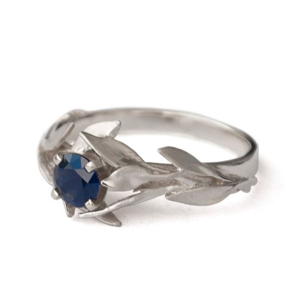 W Leaf Ring Jewellery Lost Wax