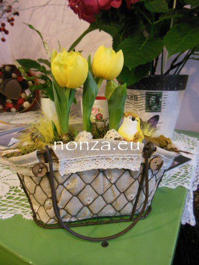 Tavaszi dísz bébi tulipánnal