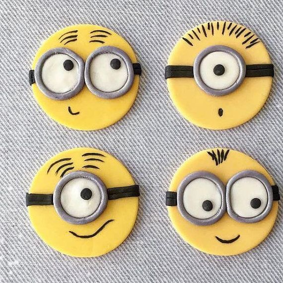 12 Minion Fondant Cupcake Toppers van HoneyTheCake op Etsy