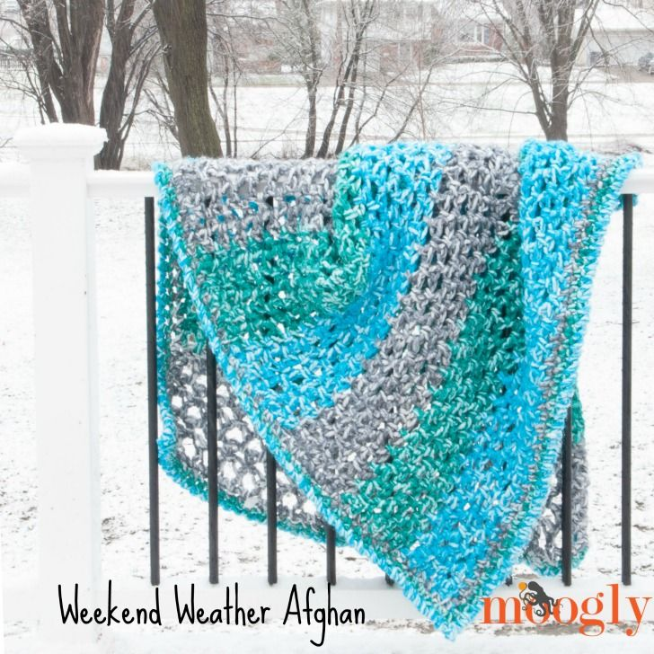 Weekend Weather Afghan - whether it's stormy, cloudy, or bright and sunny out, you can crochet this quick and easy blanket in just one weekend! Free crochet pattern on Mooglyblog.com!