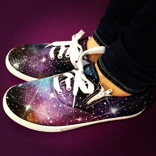 Galaxy shoes DIY... Totally about to do this with my black vans!