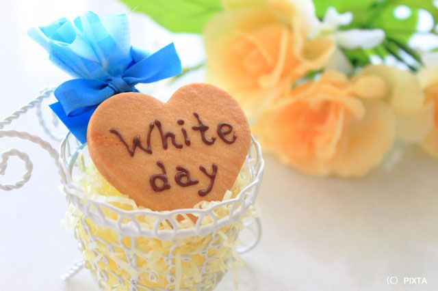 """[JP/KR/TW] White Day ホワイトデー on Mar. 14th was first celebrated in 1978 in Japan. It was started by the confectionery company, promoting men to buy their marshmallows as the return gift for Valentine's Day (Feb. 14th). Nowadays, some of the major sweets has its own meanings as a gift: 1) Marshmallows-""""Sorry, I am not interested in you!"""" 2) Cookies-""""You are my good friend!"""" 3) Candies-""""I love you too!"""""""