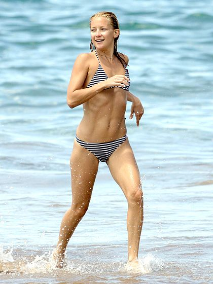 September 2006The actress flaunted her flawless figure in Maui, Hawaii.  Read more: http://www.usmagazine.com/celebrity-news/pictures/kate-hudsons-bikini-body-birthday-2011184/14094#ixzz2zXOBT4jI  Follow us: @Us Weekly on Twitter | usweekly on Facebook