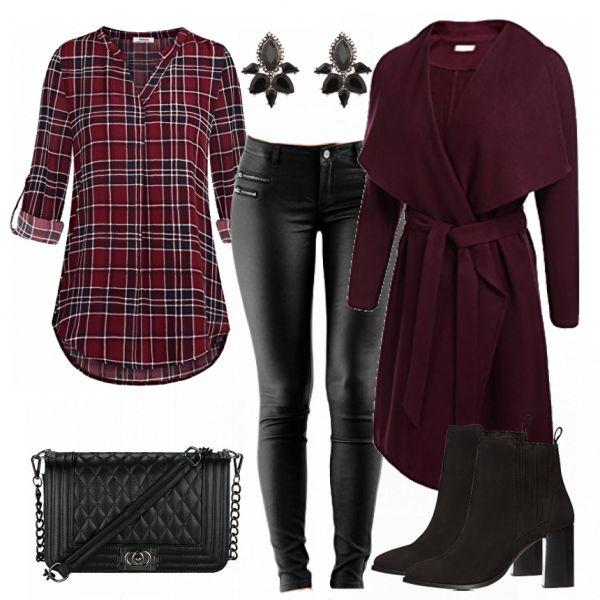 Legeres Abendoutfit aus karierter Bluse, Mantel und schwarzen Stiefeletten… #fashion #fashionista #lifestyle #outfit #damenoutfit #frauenoutfit #inspiration #look #mode #frauenmode #damenmode