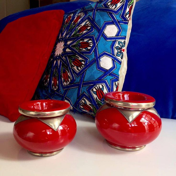 I love my red jars from Punta del Este and they just match perfectly with my cushions from Istanbul. They give my room a gypsy style.