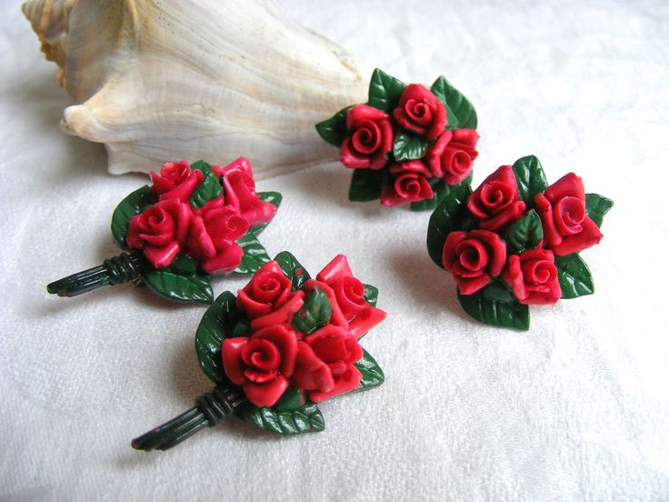 Vintage Red Roses Bouquet Plastic Resin Pins and Twist Back Earrings JAPAN