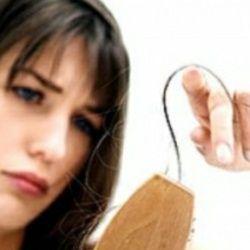 Trop de cheveux sur la brosse http://www.chutedecheveuxfemme.com/implantation-cheveux/