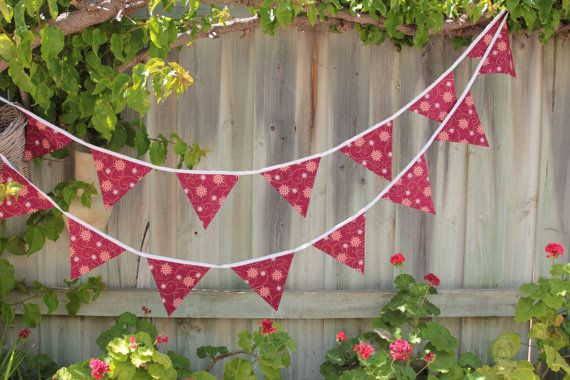 Christmas Snowflake Bunting 4m long with 50cm by Buntingbybubbles