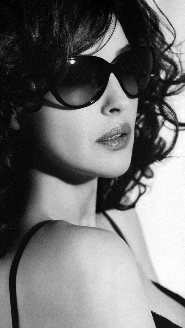 Monica Bellucci - Sunglasses