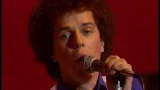 Leo Sayer - You make me feel like dancing (1976), via YouTube.