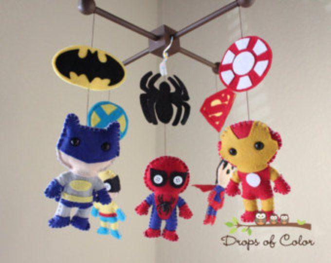 Bebé móvil - bebé cuna - Super héroe móvil - vivero Super héroes móvil - llamando a todos los superhéroes con su propio símbolo