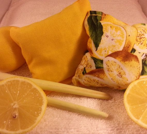 Lemon scented sachets (pack of 2) with real lemongrass and lemon peel - Aromatherapy pillows in lemon print & yellow fabric