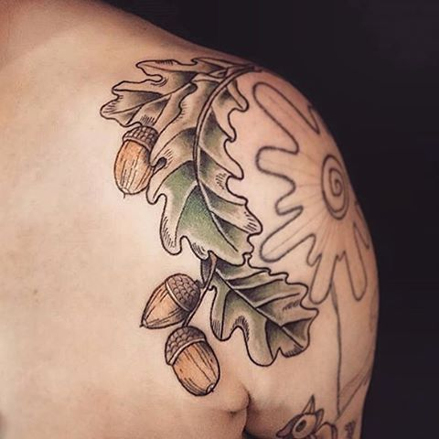 Oak leaves & acorns by @zozobindle #intoyoubrighton #intoyoutattoo…