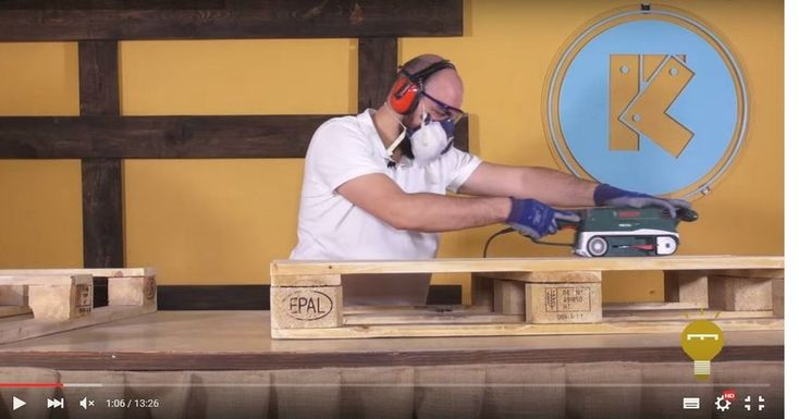 Cómo hacer una mesa elevable con dos palets | Bricolaje