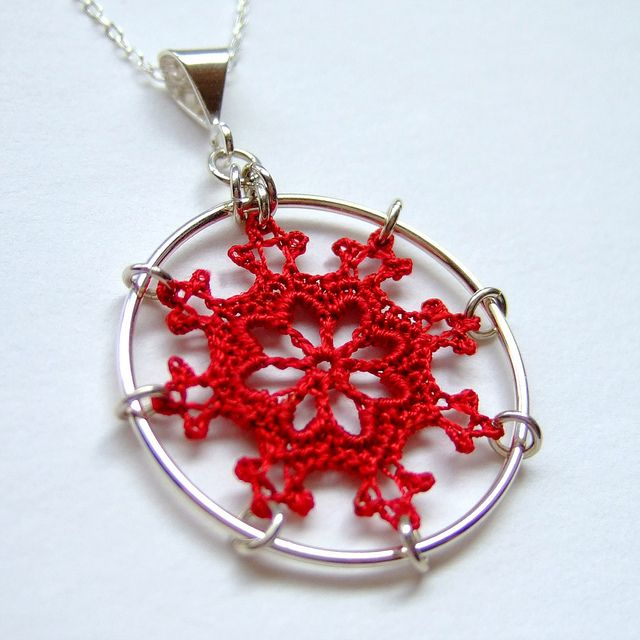 crochet pendant in wire frame