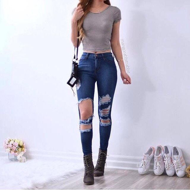 Simple Combat Boots Outfits 4 Stylish Looks To Try - College Fashion