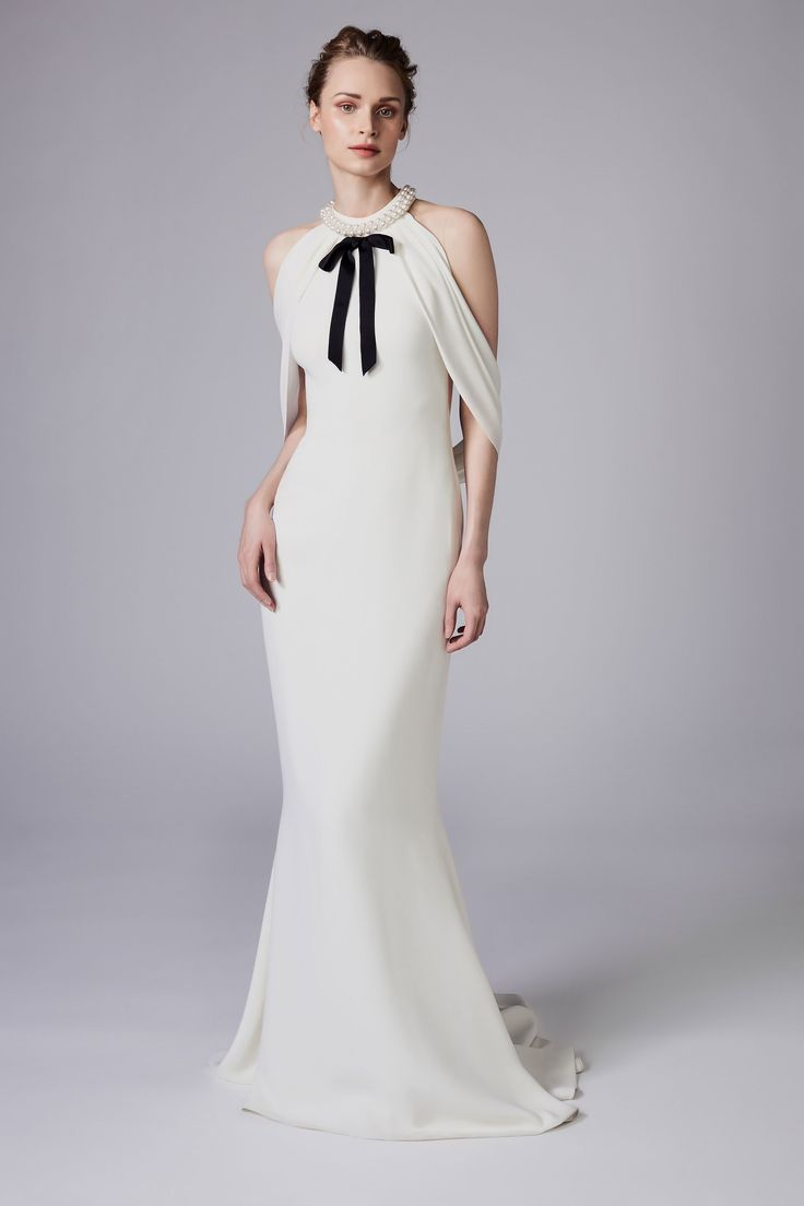 Reem Acra Resort 2018 Collection Photos - Vogue#rexfabrics#purveyoroffinefabrics#cometousforfashion#passionforfabrics