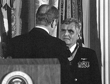 President Gerald Ford presents the Medal of Honor to Stockdale at the White House on 4 March 1976.https://en.wikipedia.org/wiki/James_Stockdale