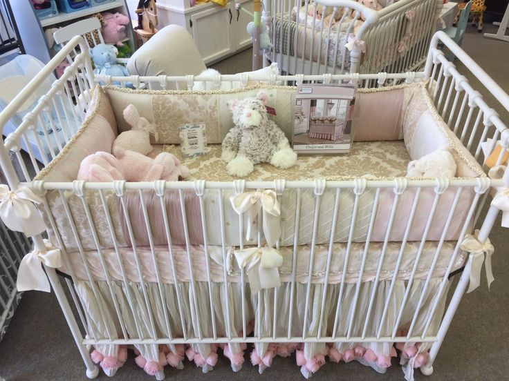 We Think The Willa Crib From Babyu0027s Dream Furniture Combined With The  Victoria Bedding By Glenna