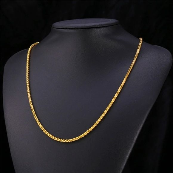 """New 18k gold plated chain for men women Brand new . Chain for 20"""" +2"""" price firm.               Stamps 18kgp Jewelry Necklaces"""