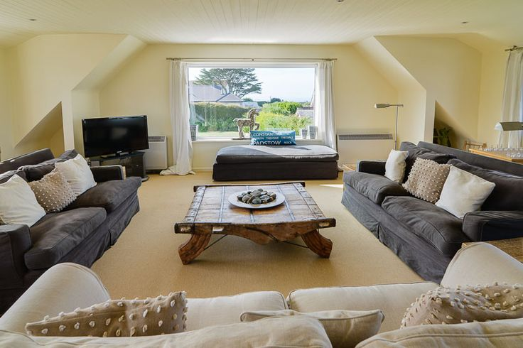White Walls - A Cornish, self catering beach holiday house to rent at #ConstantineBay, just a short drive from #Padstow #Cornwall