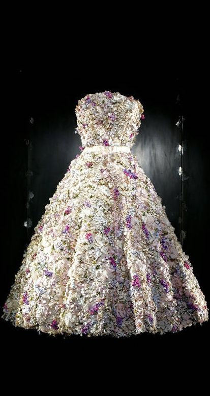 "Christian Dior by Raf Simons Haute Couture  Autumn/Winter 2012 ~ White Organza Dress Embroidered with ""Pointillist"" Dégradé Chiffon"