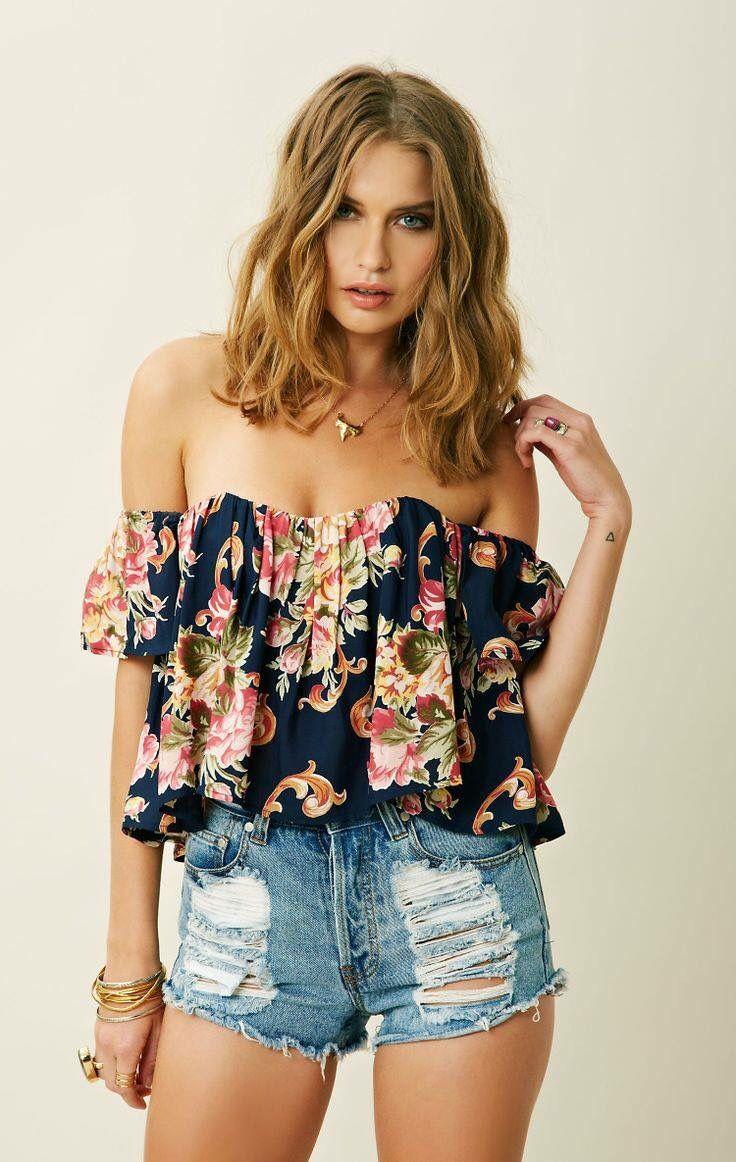 Blusa flores sin hombros