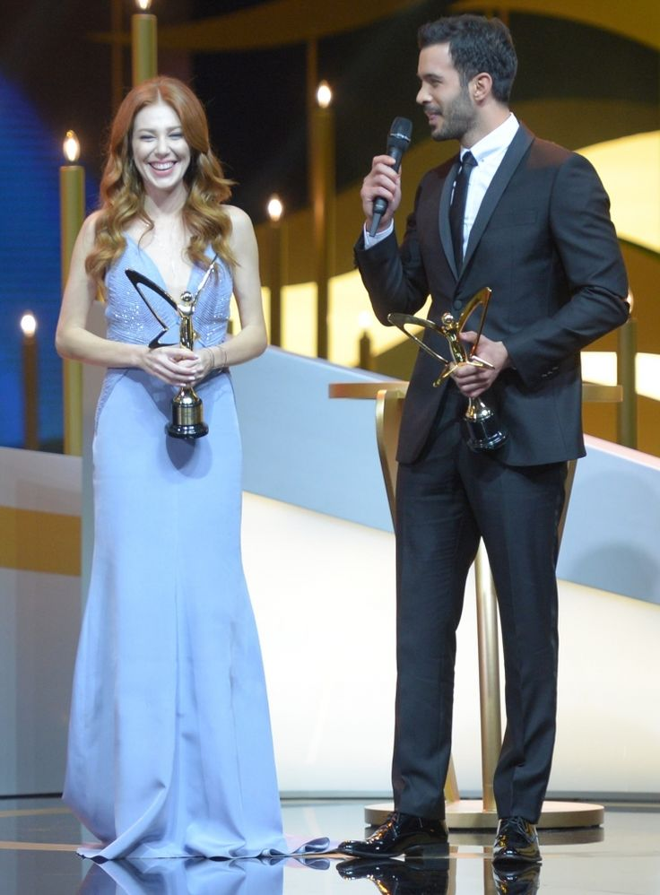 Baris Arduç & Elçin Sangu Won 42nd Golden Butterfly Award For The Best Couple Of 2015.