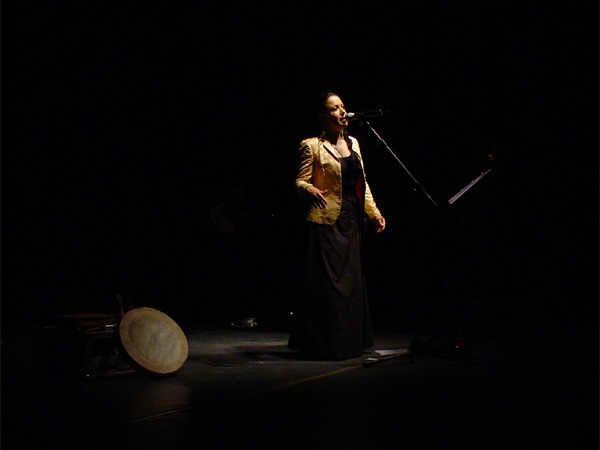 Intervista ad Antonella Ruggiero dopo il concerto di Palermo del 12 agosto 2003