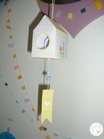 diy fabriquer un nichoir en papier by Nine et Les O (http://www.marieclaireidees.com/,fabriquer-un-nichoir-en-papier,134075.asp?xtor=EPR-3)