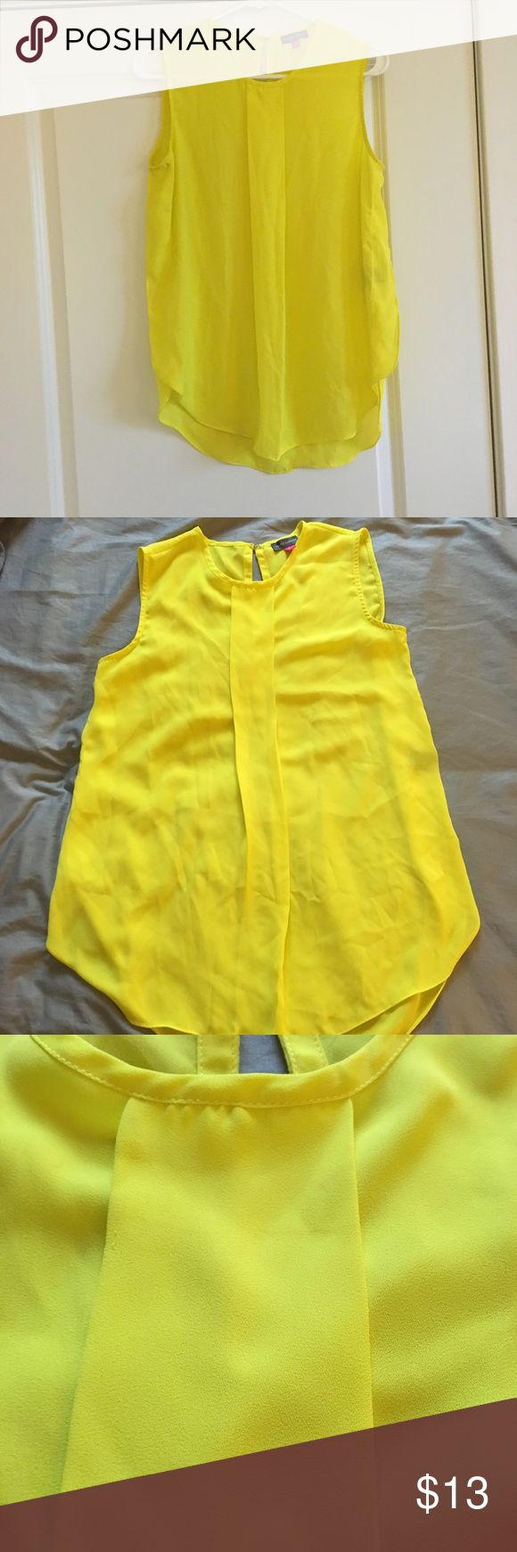 Vince Camuto Long Flowy Yellow Tank Top Sz Small Vibrant summery tank top for work & play! Minor pulls (pictured), price reflects. Vince Camuto Tops Tank Tops