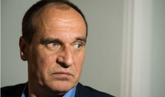 Paweł Kukiz doczekał się zdecydowanej reakcji użytkowników Twittera po swoich komentarzach, dotyczących wypadku z udziałem kolumny premier Beaty Szydło.
