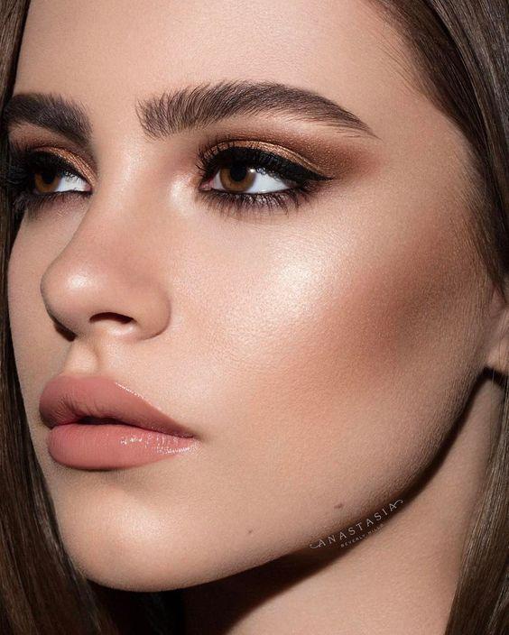 Make-up für braune Augen – make-up