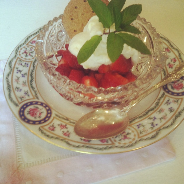 Strawberries With Chamomile Cream Recipes — Dishmaps