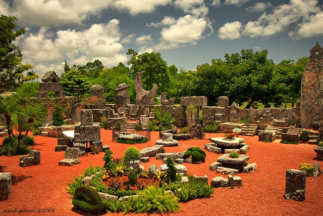 coral castle by iCamPix.Net, via Flickr