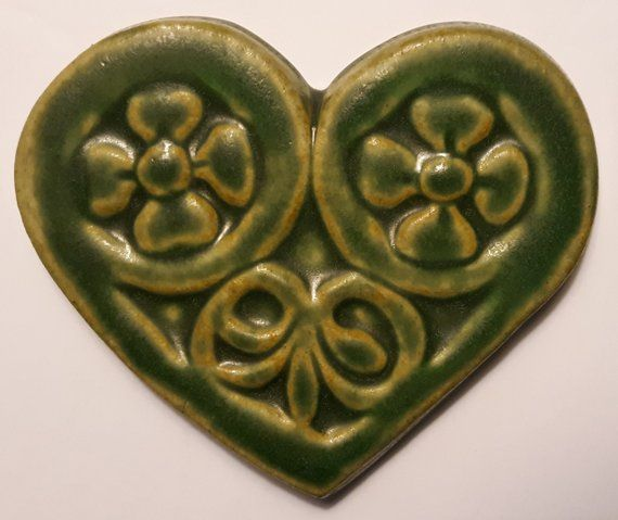 Pewabic Pottery Heart Shaped Celtic Irish Heart Four Leaf Clover Shamrocks Ireland Trivet Coaster V Pewabic Pottery American Ceramics Ceramic Artists