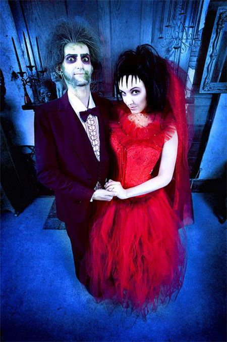 30 amazing 80s 90s inspired cosplay beetlejuice weddingbeetlejuice costumelydia beetlejuicecouple costume ideascouple - Couple Halloween Costumes Scary