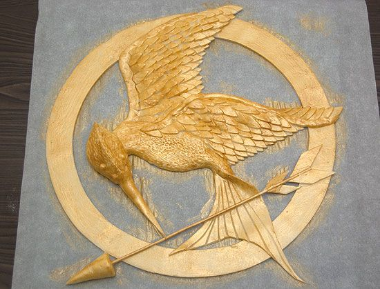 How to:  Mockingjay/hunger games cake.  Making The Cake That Was On Fire