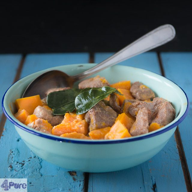 Pumpkin curry - english recipe - This recipe for pumpkin curry gives a delicious warming meal. The pumpkin is soft, the steak tender and the curry sauce is full of flavor.