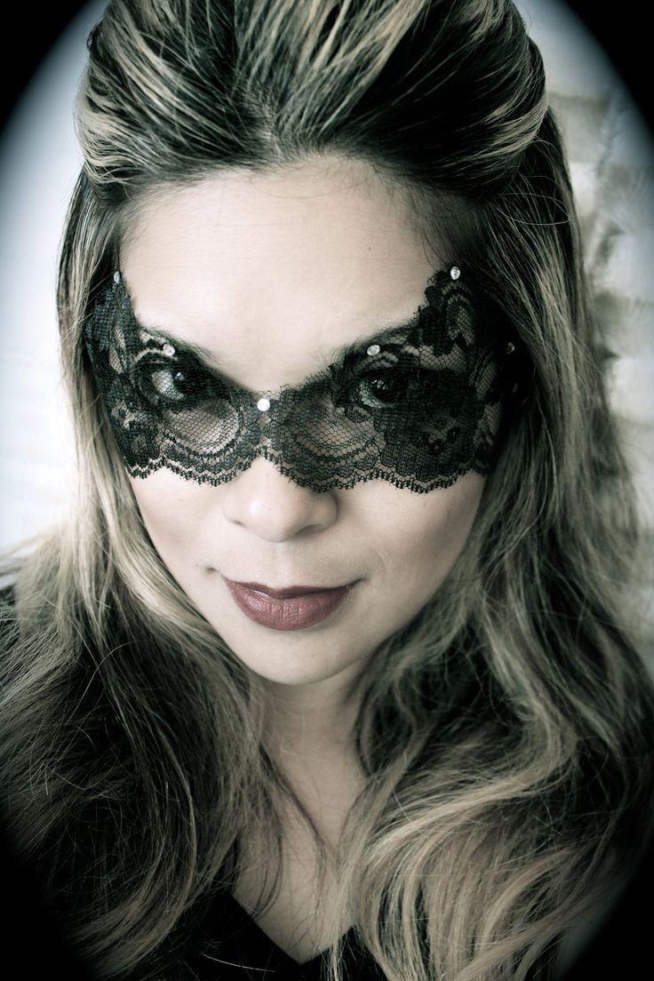 die besten 25 catwoman maske ideen auf pinterest halloween kost m catwoman mumie und ein. Black Bedroom Furniture Sets. Home Design Ideas