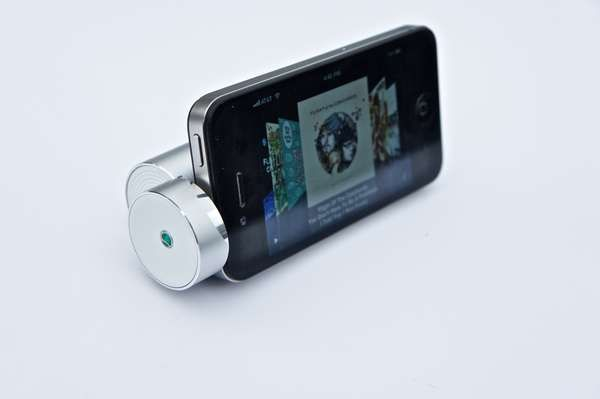 Super small speakers for your iphone or itouch