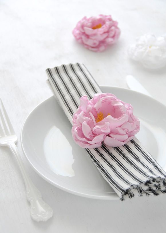 DIY fabric peony flowers (via Creature Comforts)