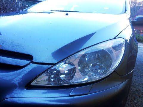 Replacing H7 Headlight Bulb in Peugeot 307 SW (2005) - YouTube
