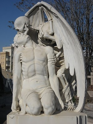 come back!: Cemetery Beautiful, Cry Angel, The Kiss, Angel Sculpture, Skeletons Angel, Art Death, Poblenou Cemetery, Cemetery Sculpture, Cemetery Site