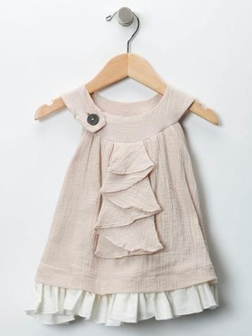 cute dress...no instructions, but I think I could figure this out...might be a cute birthday dress in pink for elsie