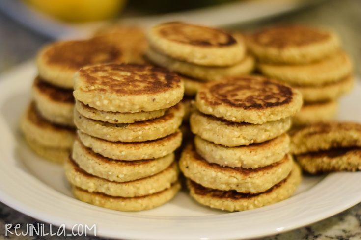 """Estas """"gorditas"""" me quedaron buenísimas, a mi familia les encantaron! Es una masa de galletas con amaranto y las cocinas en el comal--> buena opción para cuando no quieres prender el horno pero igual quieres unas galletitas. Me basé en esta otra receta de gorditasde... #amaranto #comal #gorditas"""