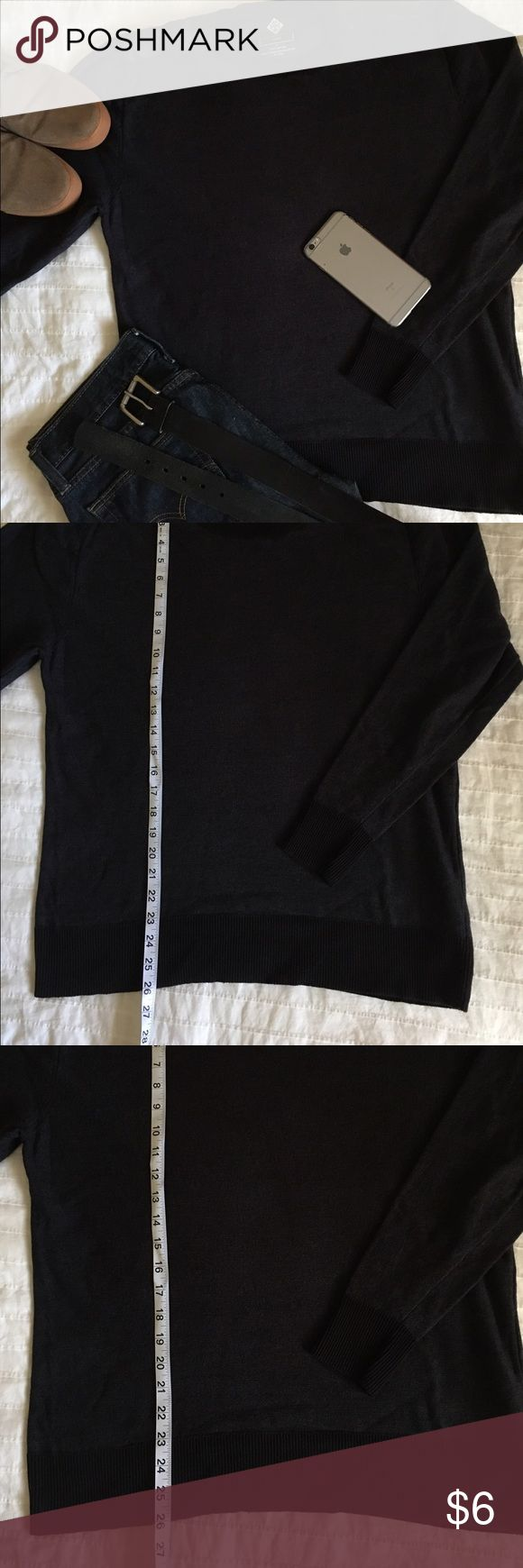 Men's crewneck sweater w/ leather shoulders. This is a men's crewneck sweater with leatherette shoulders.  Marled navy blue in size Large.  Great dressed up or dressed down hanging out on casual days.  Excellent used condition.  Worn once.  No pills, no snags, no tears. Sweaters Crewneck