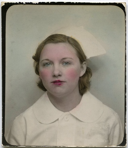 A lovely little vintage photo booth photograph from Snapatorium