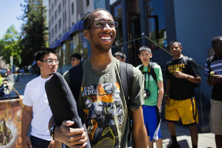 South L.A. student finds a different world at UC Berkeley - latimes.com